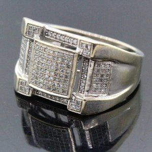 10k White Gold & Diamond Unique Ring